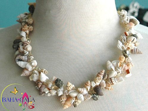 Natural Shell Necklace & Earring Set.