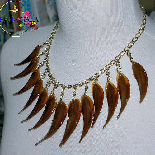 Natural Conch Horns Necklace & Earring Set.