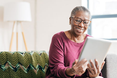 4-ways-seniors-can-connect-with-others-d