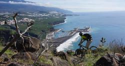 Mit Blick auf Puerto Tazacorte