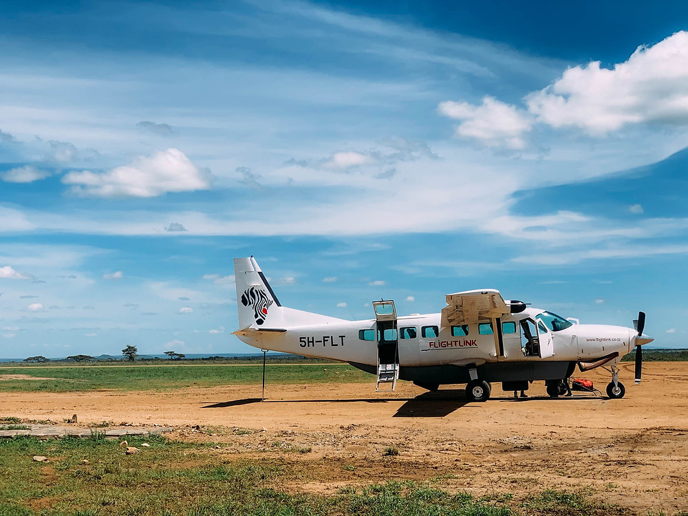 Waiting for some passengers at Seronera Airstrip