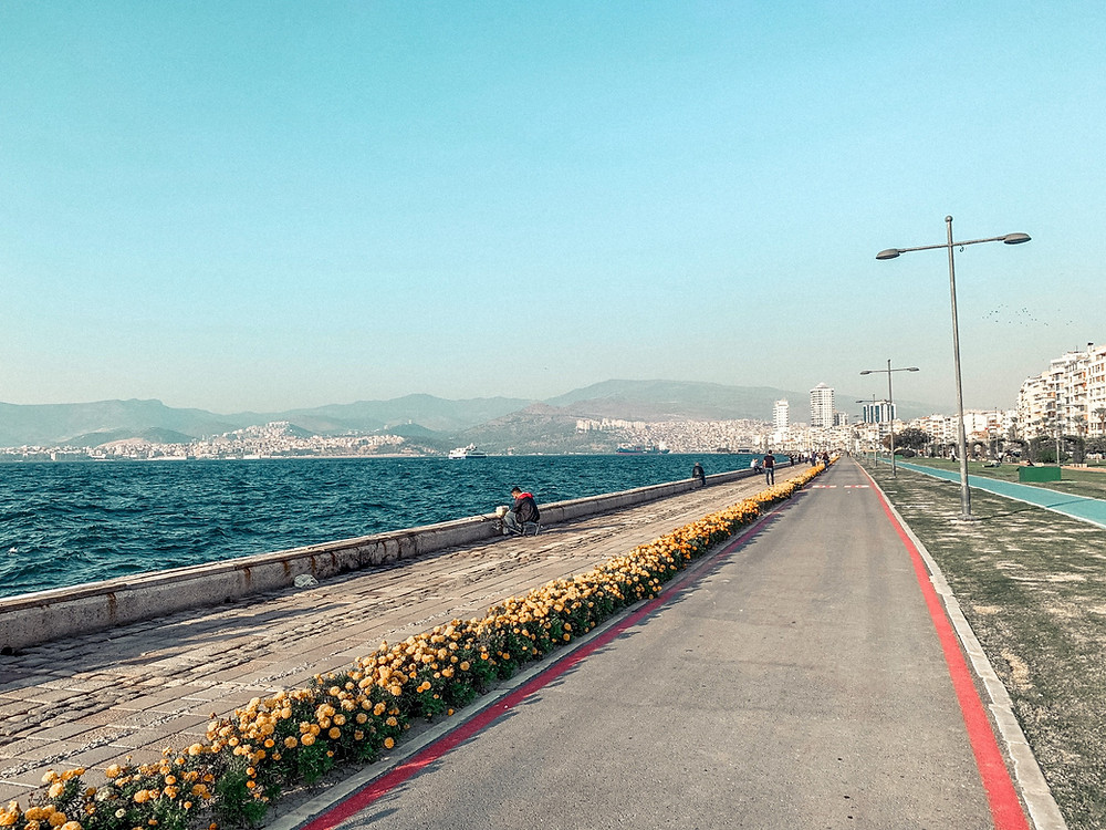 "The Izmir ""Kordon,"" or waterfront promenade"