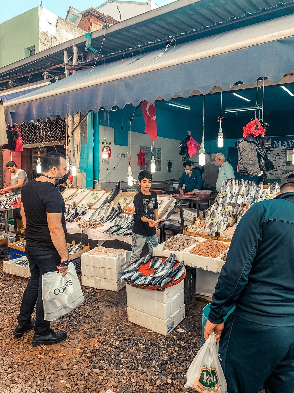 An Izmir fishmonger