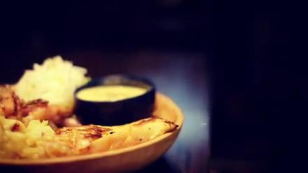 当店のフレンチトーストは、たっぷりのチーズを閉じ込め、時間をかけてゆっくり焼いて