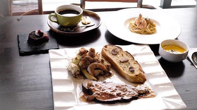 おはようございます。_本日より、_あれもこれも食べたいお客さまに!_お得なミニコ