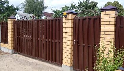 ворота и калитка из евроштакетника.jpg