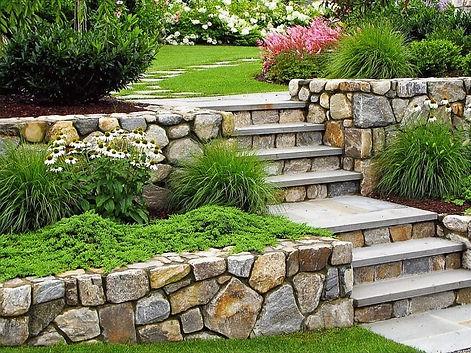 Stone-garden-walls-5_edited.jpg