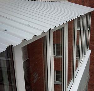 монтаж крыши балкона
