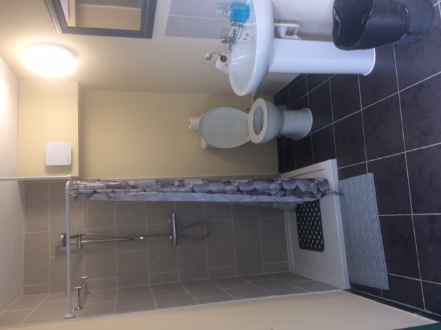 Gents toilet and shower