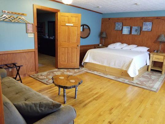 Springer Mountain Guestroom