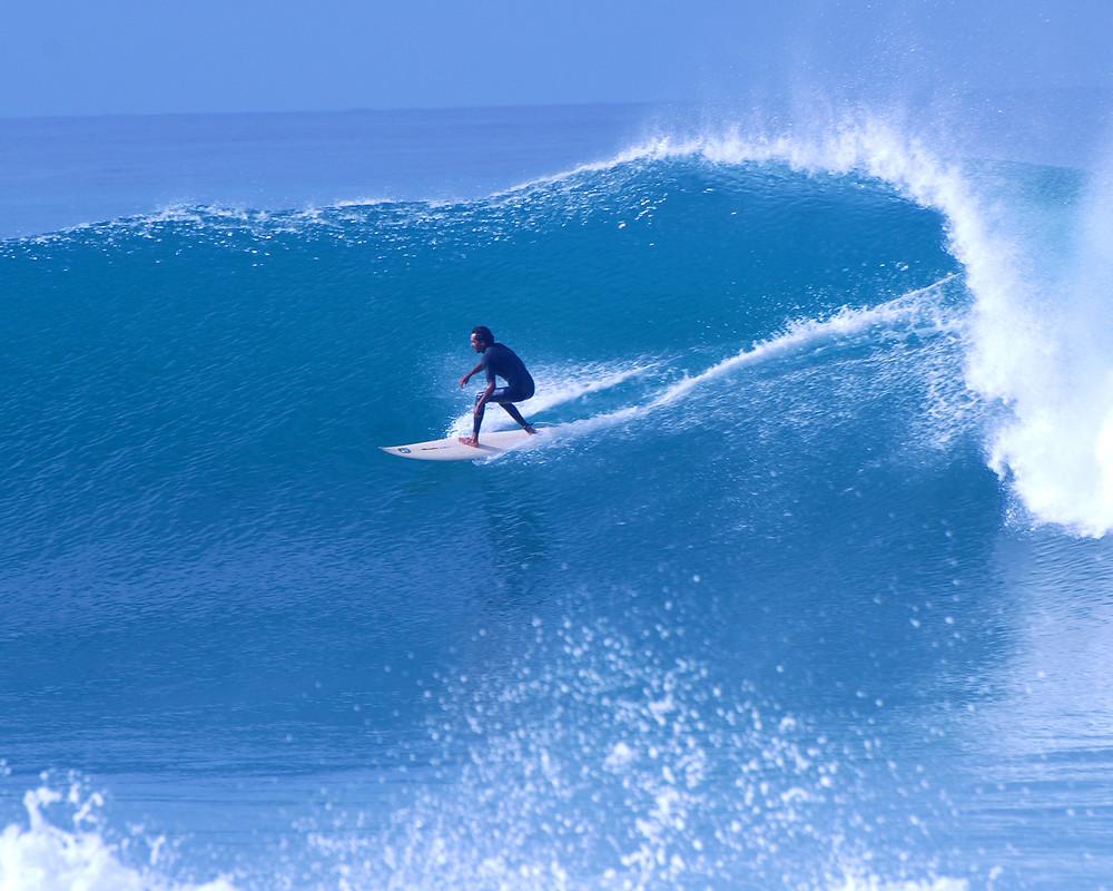 mario-surfing-big-wave-300-ts-sobek.jpg