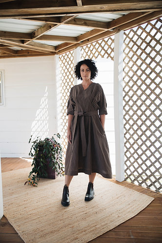 Tuck dress with sleeve band