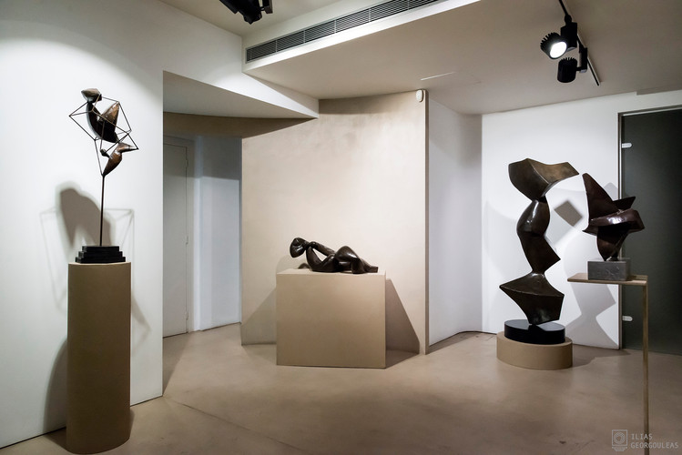 P gallery | sculpture