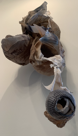 hollow, detail