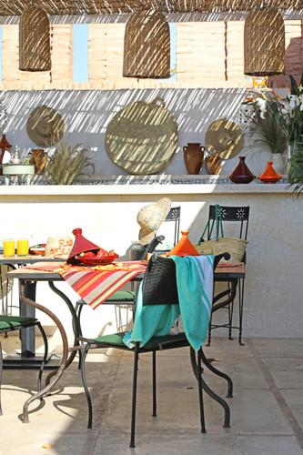 riadanyssates-terrasse-bar-002.jpg