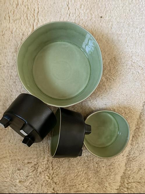 Saladier et bols ceramique noir et vert