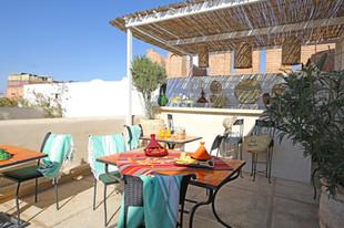 riadanyssates-terrasse-bar-006.jpg