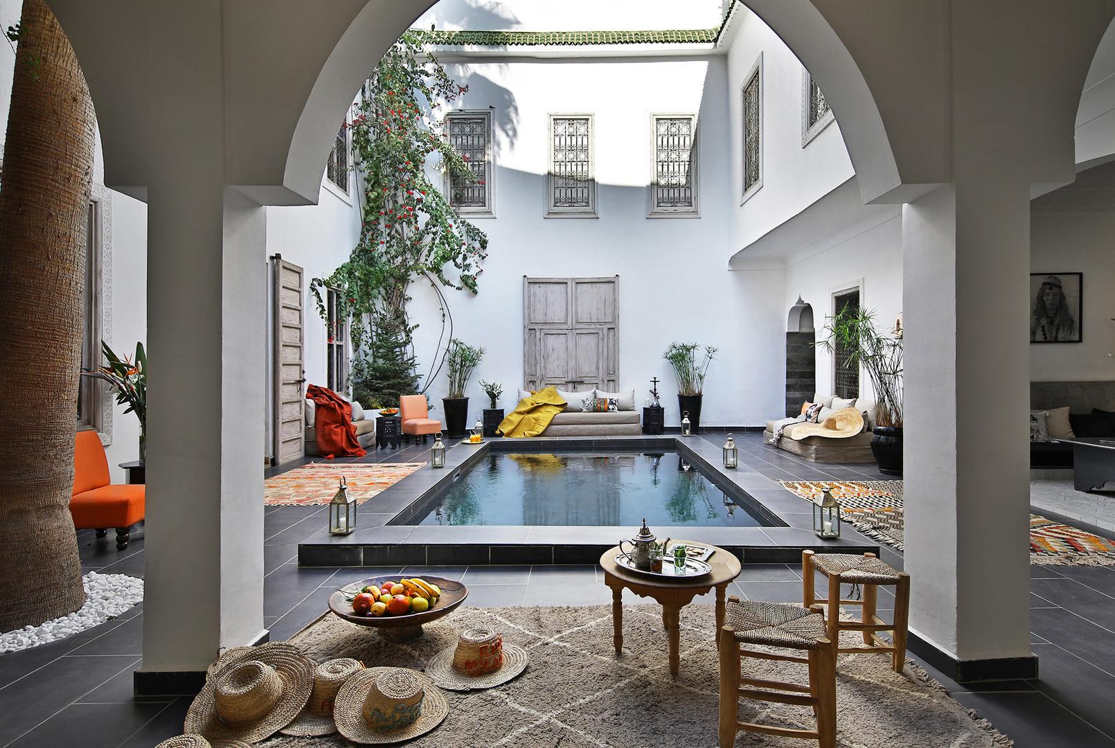 riadanyssates-patio-piscine-002.jpg