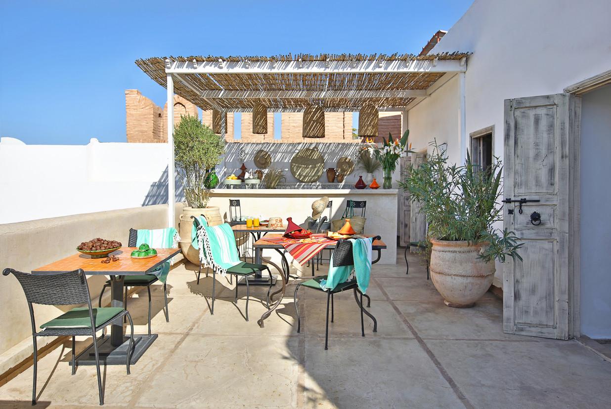 riadanyssates-terrasse-bar-008.jpg