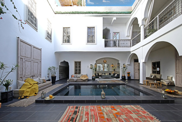 riadanyssates-patio-piscine-003.jpg