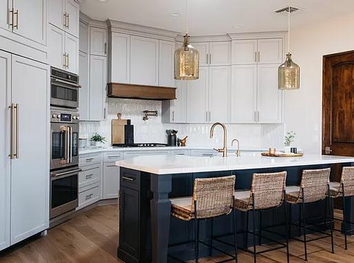 Advantages of Hiring an Interior Designer for Custom Homes