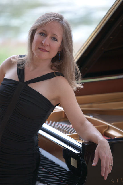 BonnieAnderson, pianist(photo).jpg