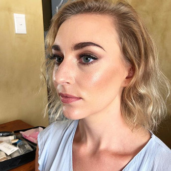A natural glowy Bridal look on _renedekl