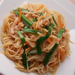 野菜たっぷりの焼米線