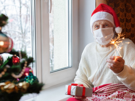 6 Simple, Last-Minute Ways to Bring Holiday Cheer to Loved Ones in Senior Living