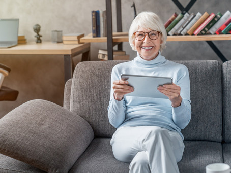 Helping Your Loved One Combat Loneliness in a Senior Living Facility