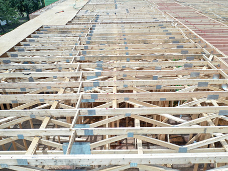 Why you should consider floor trusses instead of joists for your building project.