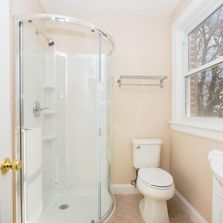 MPC-Bathroom1-apt-2