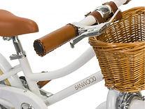 Banwood-Bike-Close-Up-of-Handlebars.jpg
