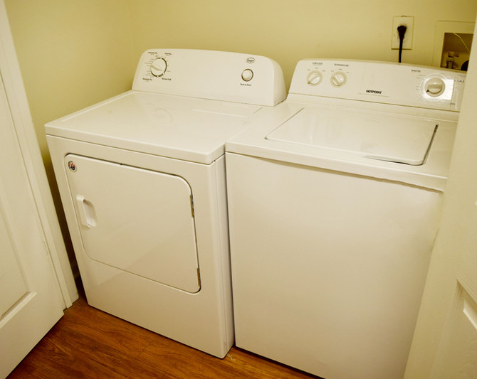 Laundry Reynolds Place Apartments