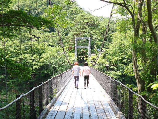 鷹の巣キャンプ場_吊橋横02.jpg