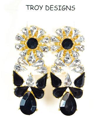 White Crystal Flower Shaped Earrings - Model: Troy 1028