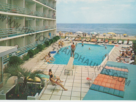 La Playa Motel - undated