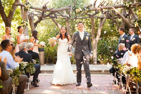 rustic-california-garden-wedding-685c40d3962159d56df7f1863a683530f88412e5ea3e3b30b83eeaacccd34067.jpg