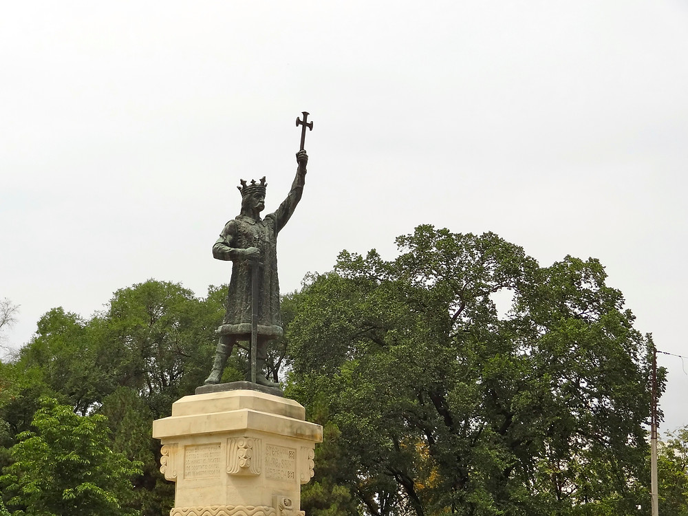 A photo of a statue of Stephen the Great in central Chisinau