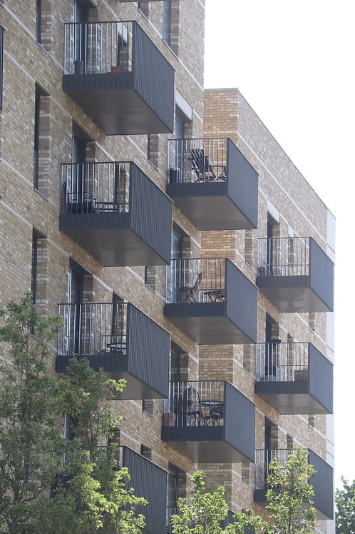 Balconies: Learn from the past, an approach to the future