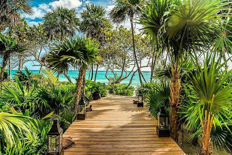 BEACHES & GARDENS BILLIONAIRES ISLAND (2