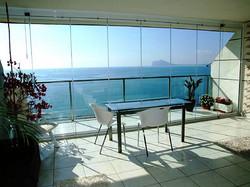 glass_curtain