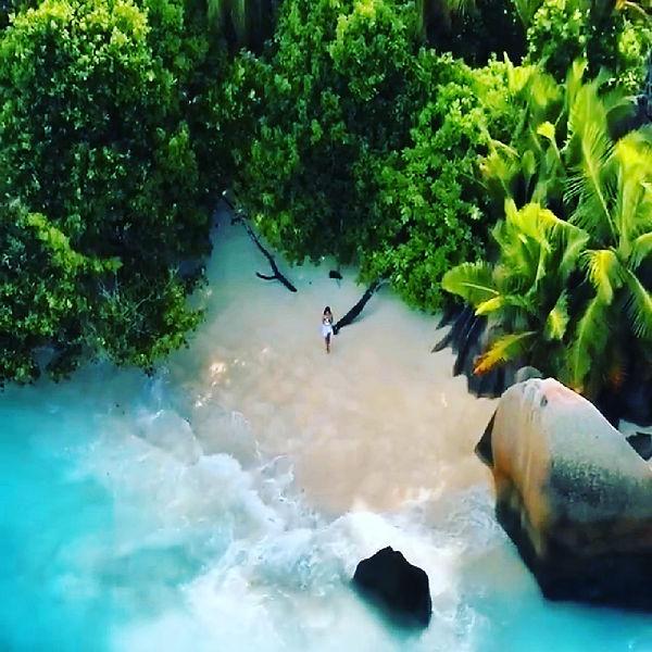 BEACHES & GARDENS BILLIONAIRES ISLAND (3