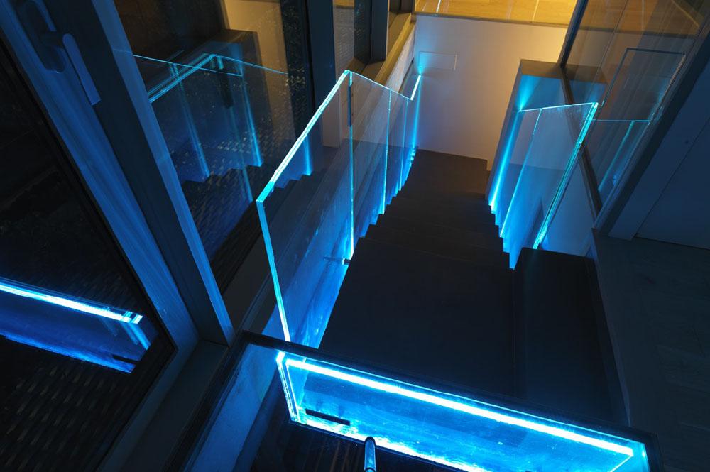 illuminated-frameless-glass-