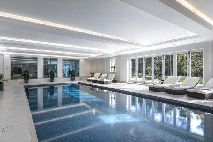 Woodrow Mansion Swimming Pool