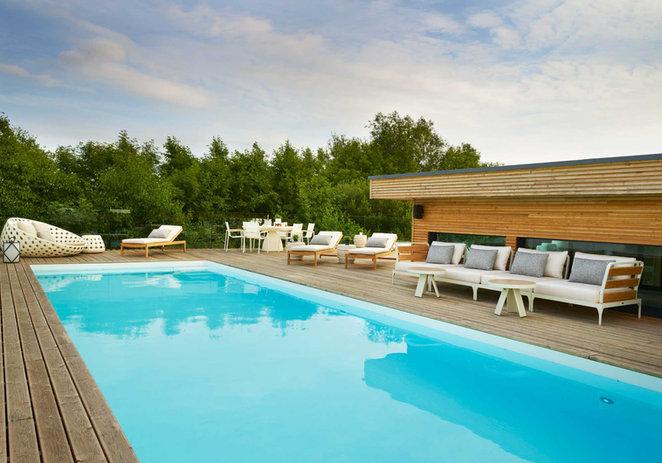 Poolhouse Lakes Roof Swimming Pool 2.jpg