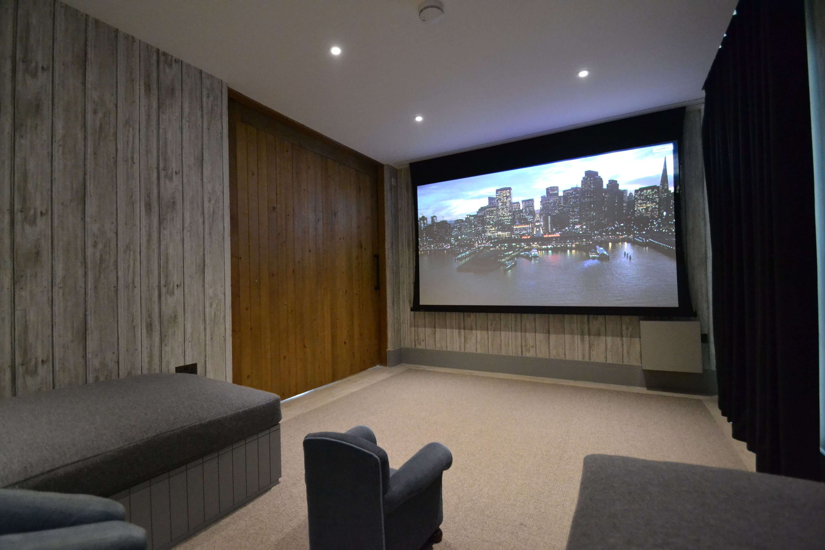 Laser Projection Screen
