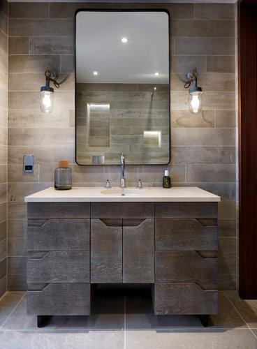 Poolhouse Lakes Bathroom Lutron Lights 1
