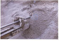 عملیات حفاری چال های زهکش توسط دریل واگن 001