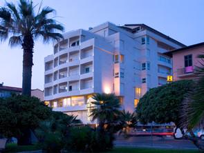 SINA Astor Hotel